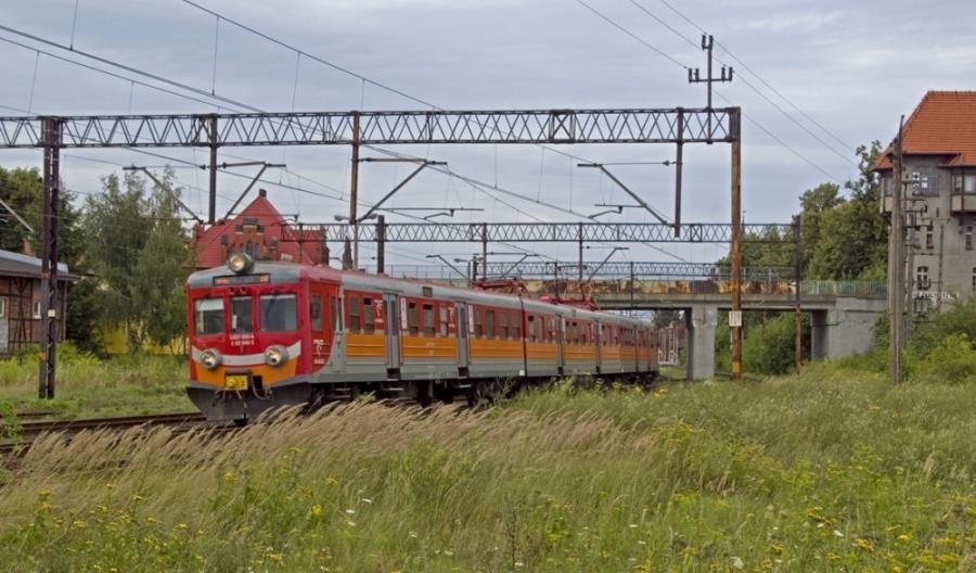 PolRegio: Pięć EN57 bez wykonawcy naprawy i modernizacji