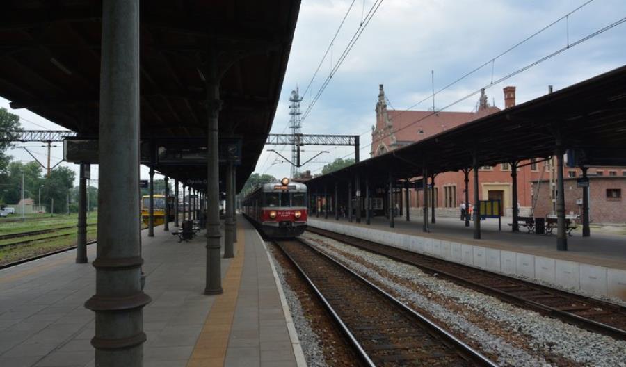 Krótsze podróże koleją z Opola do Kędzierzyna Koźla i Katowic