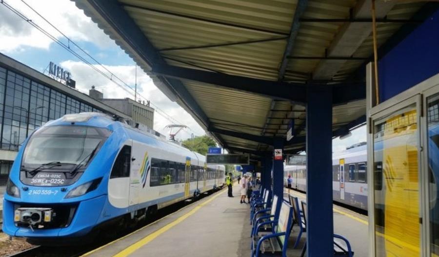 PLK podpisuję umowę na projekt modernizacji linii 8 w Świętokrzyskiem