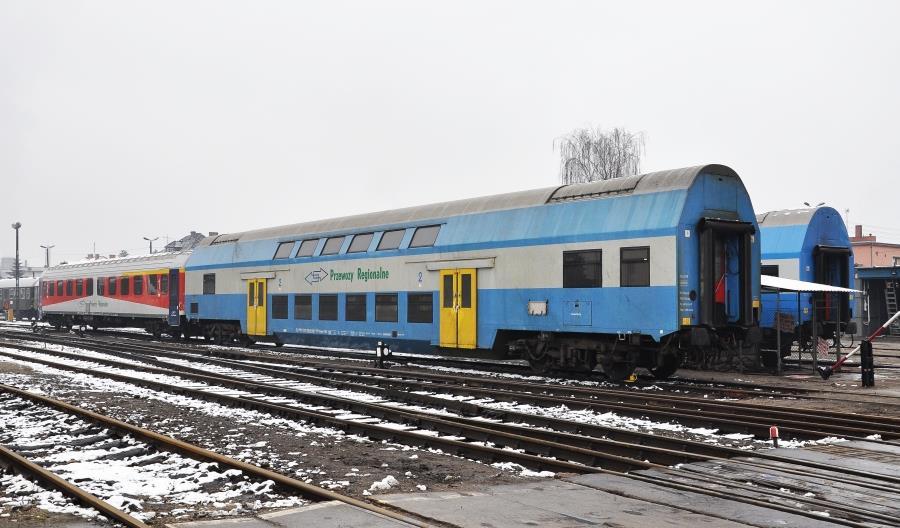 Spadła liczba czynnych wagonów piętrowych w PolRegio