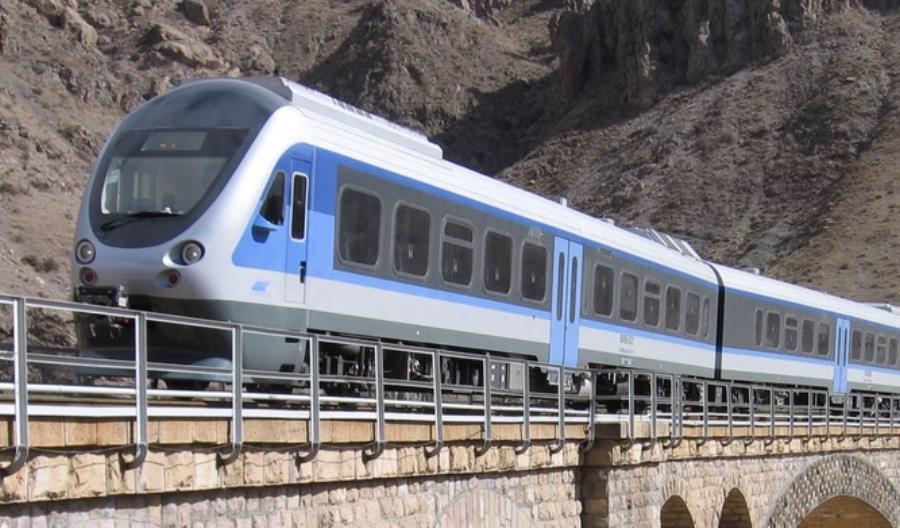 Iran wyda ponad 850 mln dolarów na nowe pociągi. Tabor dostarczy Hyundai