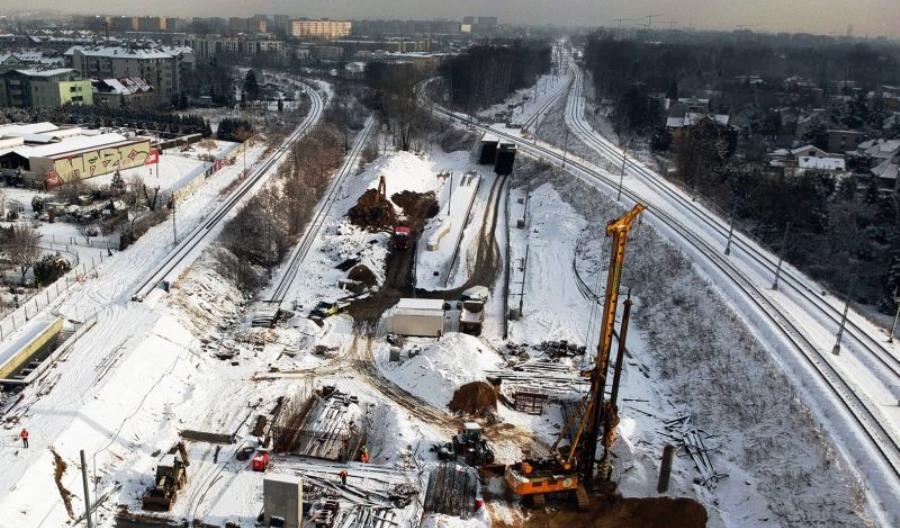 Linię kolejową przez centrum Krakowa trzeba będzie jednak zamykać