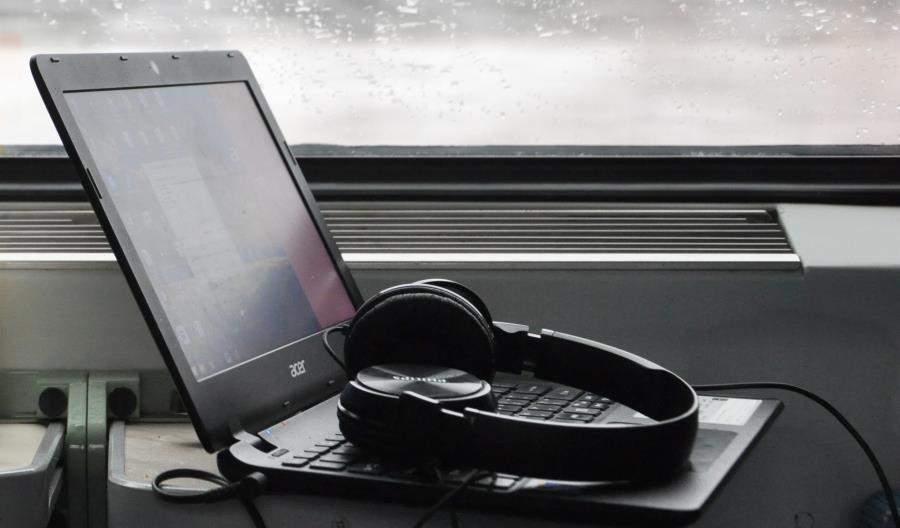 150 wagonów PKP Intercity z nowymi urządzeniami do internetu