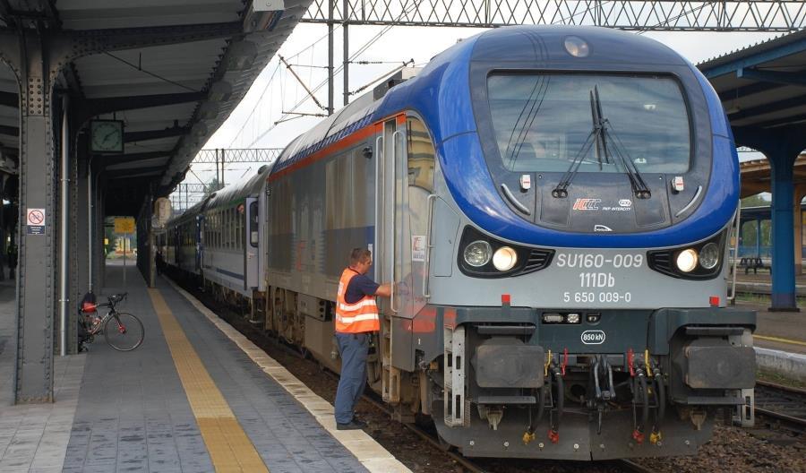 Objazdy na linii Poznań – Piła. PKP Intercity rezygnuje ze sprzedaży droższych biletów