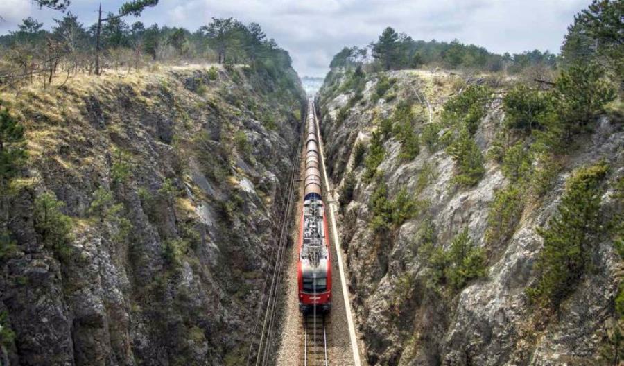 Wielki projekt kolejowy Słowenii zagrożony. Premier podaje się do dymisji