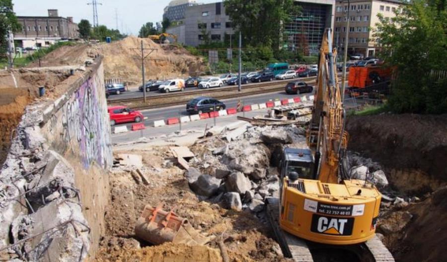 Warszawa: PLK kończą zasadnicze prace przy wiadukcie na Obozowej