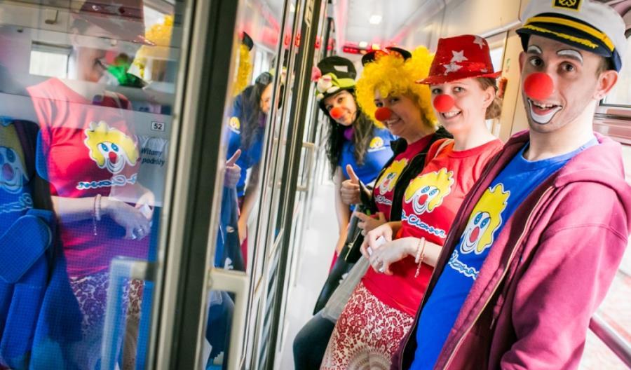 Wiosenny Pociąg do uśmiechu – klauni w pociągach IC