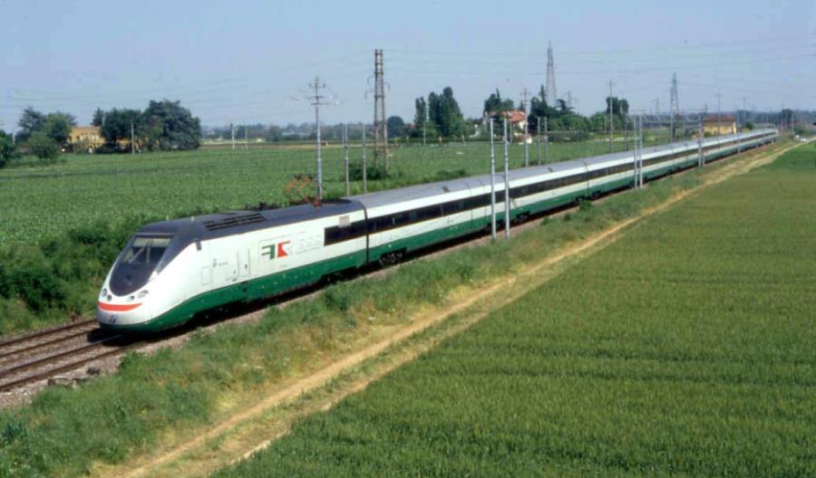KDP Cargo. Włosi przebudują szybkie pociągi pasażerskie na… towarowe