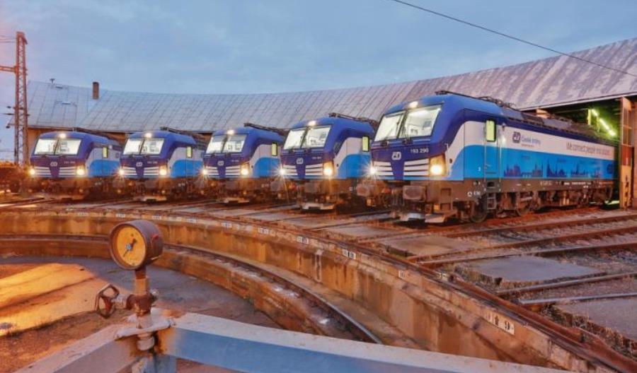 Koleje Czeskie wynajmą 15 trójsystemowych elektrowozów. Ponownie Vectrony?