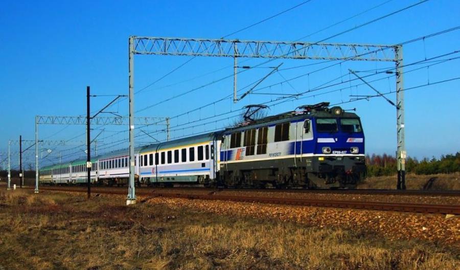 Mniej pociągów PKP Intercity z Warszawy do Krakowa i Lublina