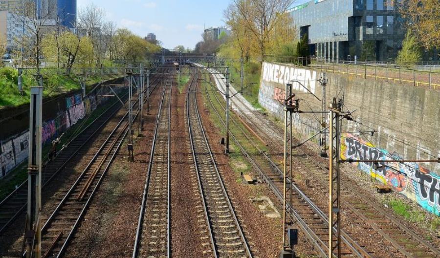 PLK szykuje prace wakacyjne na warszawskiej średnicy. Część pociągów PKP IC nie przejedzie