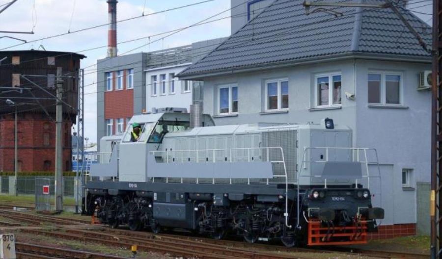 Pierwsza lokomotywa manewrowa 19D z Pesy przekazana do klienta