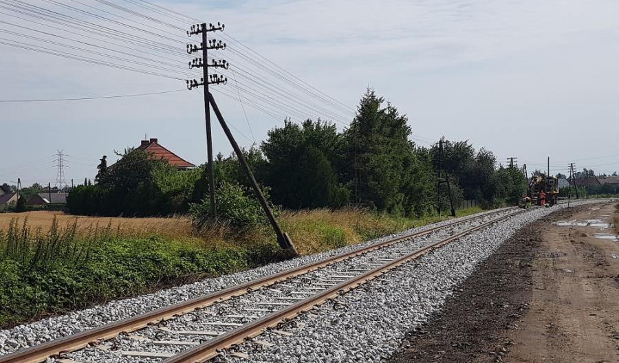 Pociągiem z Opola już do Szydłowa. Postępuje przebudowa linii do Nysy