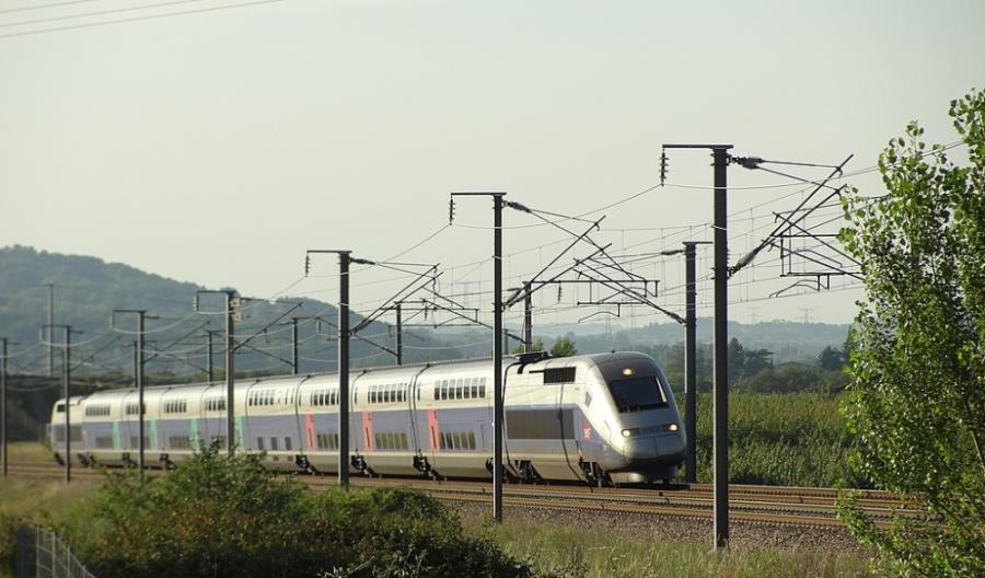 Francja chce uruchomić bezzałogowe pociągi
