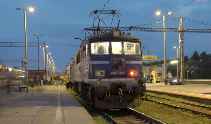 """TLK """"Ustronie"""": 124 minuty planowego postoju w Gdyni"""