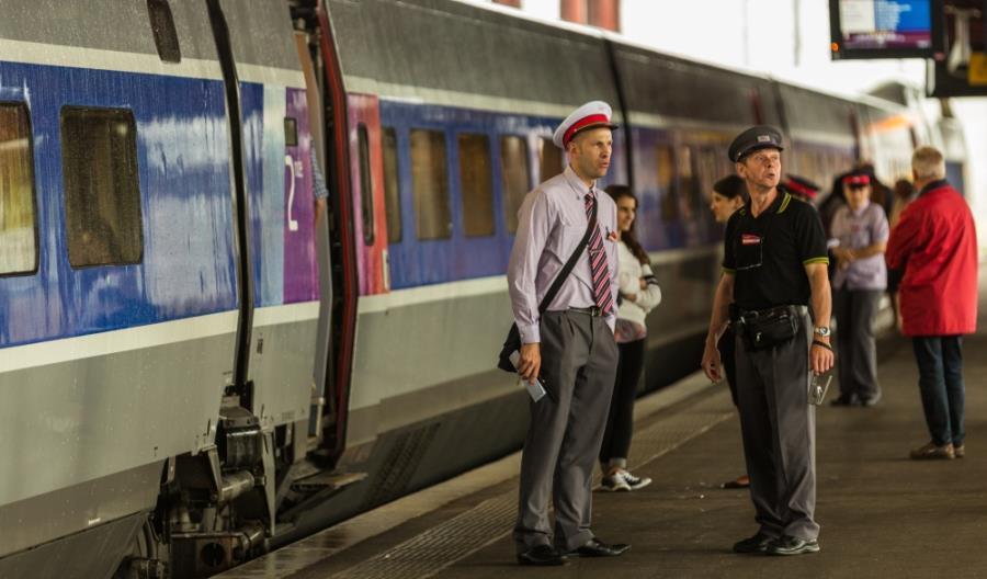 Francja: Poważni gracze staną do walki o francuskich pasażerów