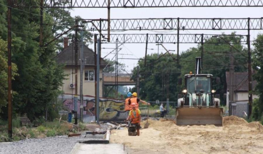 Massel: Mimo problemów widać efekty zwiększania finansowania kolei