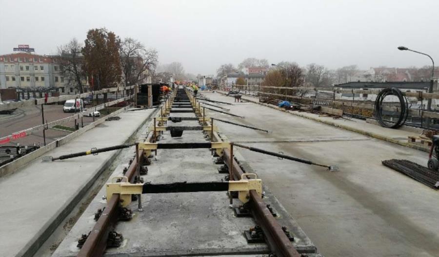 Prace przy gorzowskiej estakadzie opóźnione. Pociągi do głównej stacji w marcu 2019