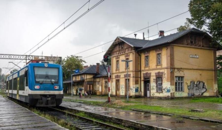 Będzie nieco szybciej pociągiem z Cieszyna do Zebrzydowic