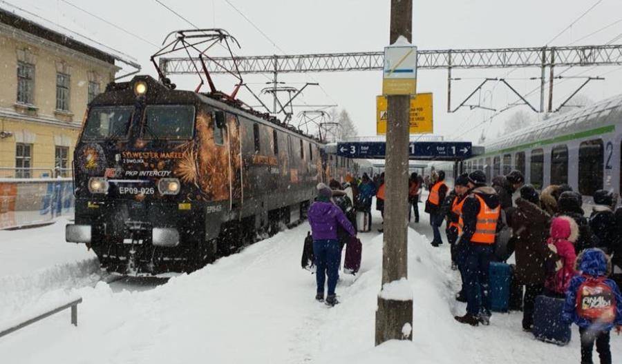 Przewoźnicy regionalni i PKP IC uruchomili specjalne pociągi z Zakopanego w Nowy Rok