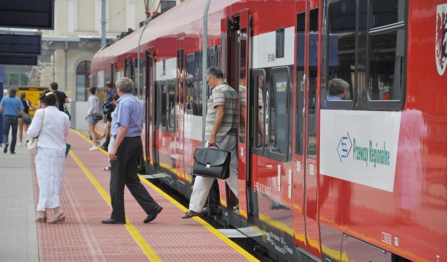 Ilu pasażerów przewiozła polska kolej w 2018 roku? Weź udział w konkursie UTK