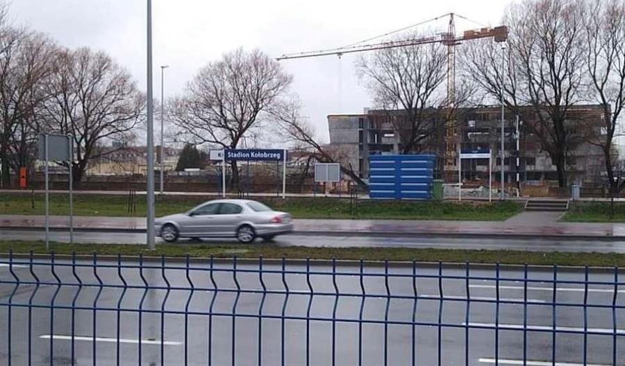 Kołobrzeg Stadion zmienił się w Stadion Kołobrzeg. Błędnie