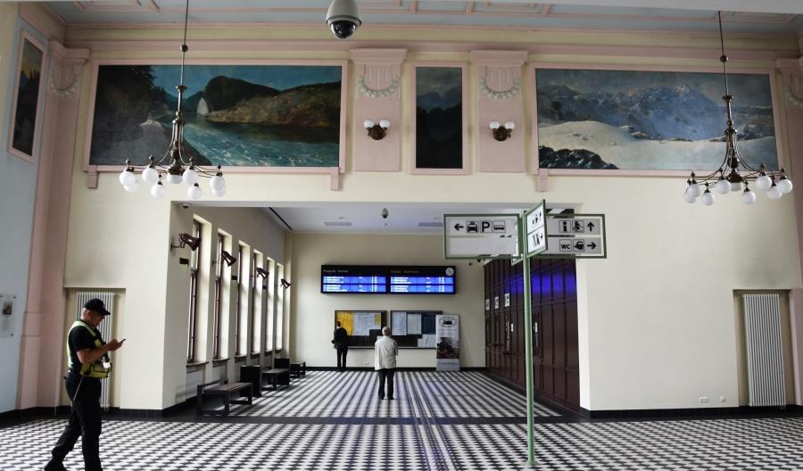 Nowy Sącz z coraz gorszą ofertą pociągów dalekobieżnych