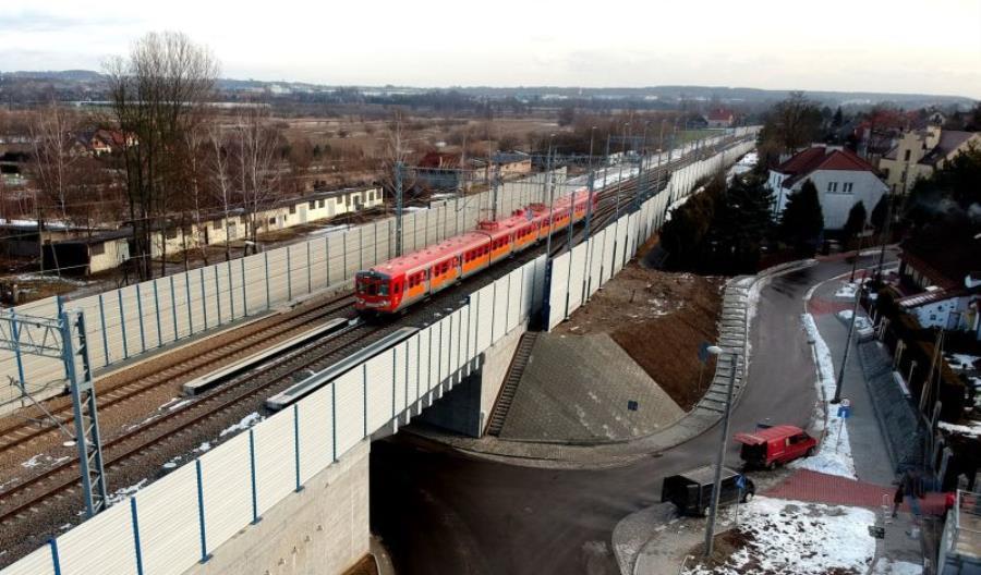 Modernizacja E30 Kraków – Krzeszowice zwiększyła opóźnienie. PLK przywraca ruch dwutorowy