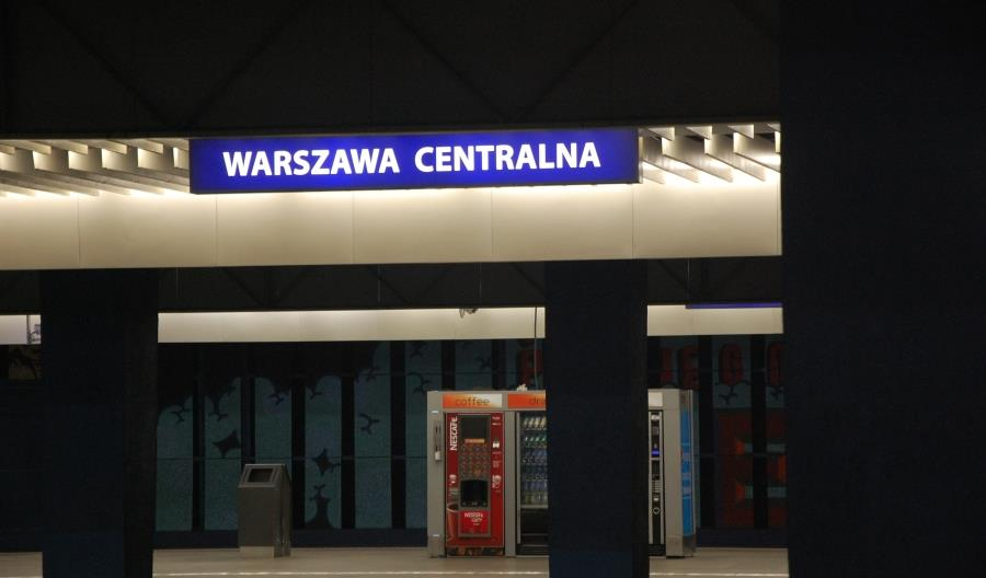 Sobotnie wykolejenie TLK Zamoyski na stacji Warszawa Centralna