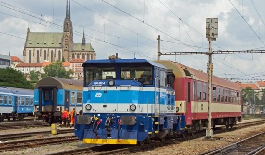 Przetarg PKP Intercity na nowe, lekkie lokomotywy. Jedyna oferta z Czech