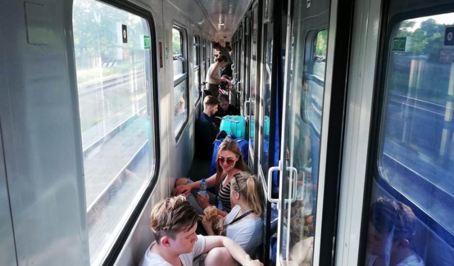 Koszmarna podróż w TLK Gwarek. Śmierć podróżnego, awaria sieci trakcyjnej oraz omdlenia