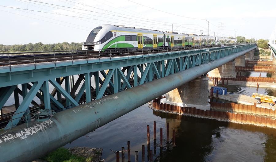 Warszawa: Ruch po dwóch torach na kolejowym moście przy Cytadeli wznowiony