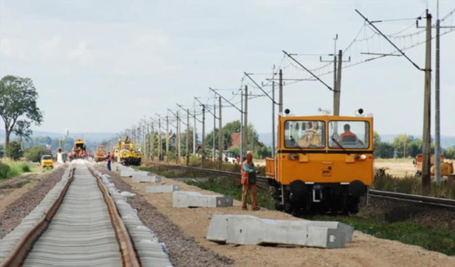 CBA zatrzymało trzy osoby. Chodzi o wyłudzenie 29 mln zł z upadłej firmy remontującej linie kolejowe