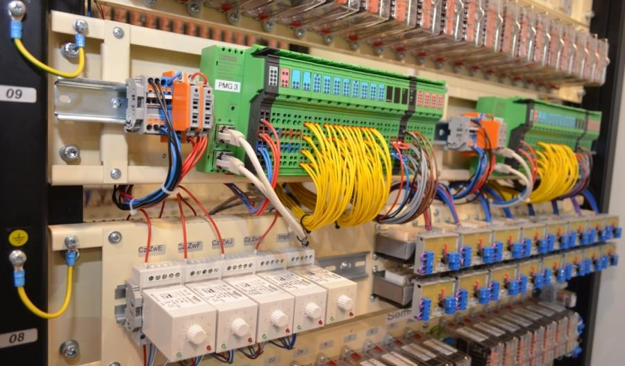 Nowy, komputerowo-przekaźnikowy system sterowania ruchem kolejowym