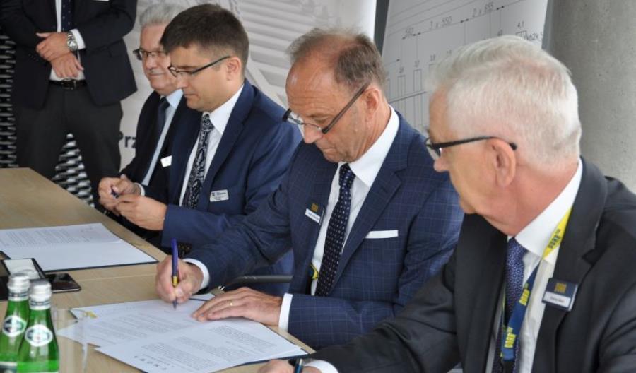 KZN Bieżanów i Porr podpisały umowę; rozjazdy w blokach na Magistralę Węglową