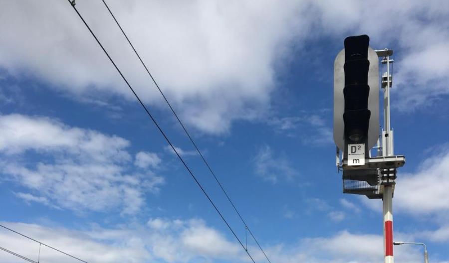 Monat przedstawia na Trako semafor z opuszczaną głowicą