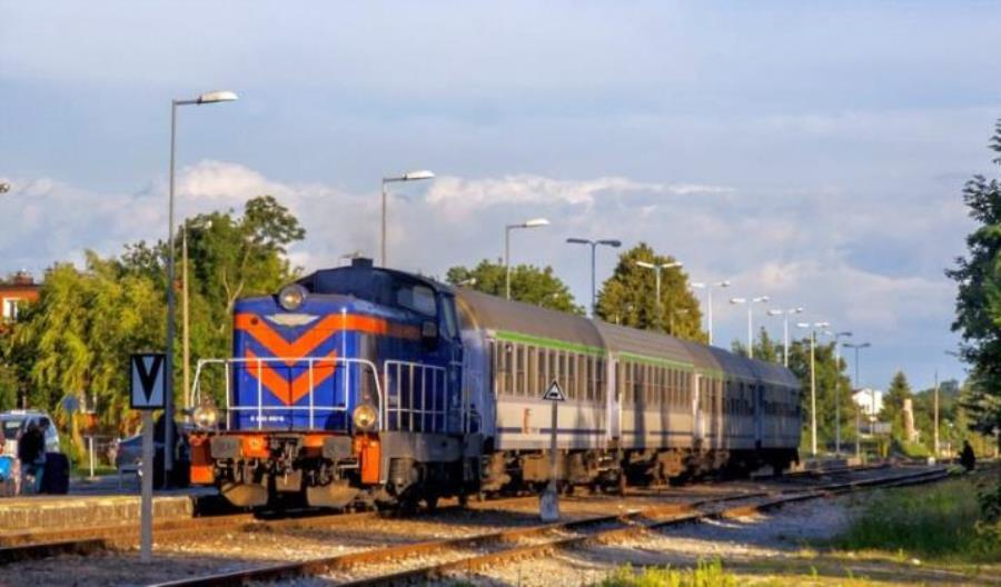 PKP Intercity naprawi 10 lokomotyw manewrowych SM42