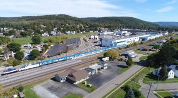 Alstom Acela dla Amtraku coraz bliżej. Pierwsze zdjęcie na torach