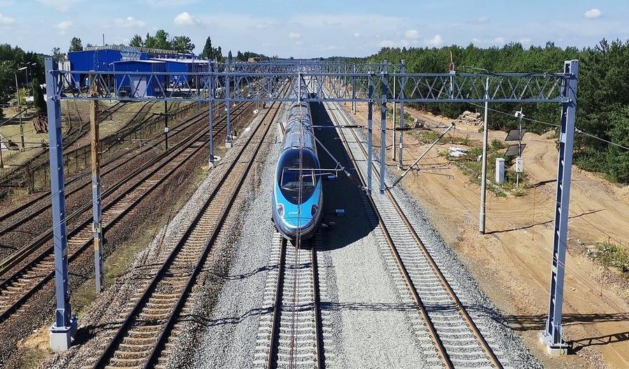 PKP PLK: Podniesienie prędkości do 250 km/h na CMK możliwe od grudnia 2023