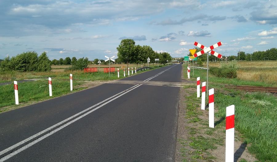 PKP PLK: Kilkanaście sytuacji zagrożenia na przejazdach dziennie