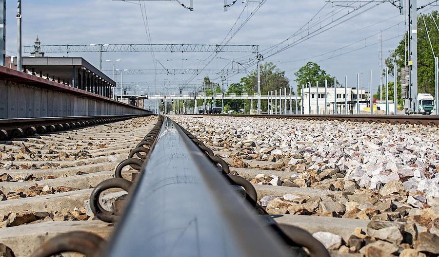 PLK ponawia przetarg na projekt modernizacji linii od Orzesza przez Tychy do Oświęcimia [oferty]