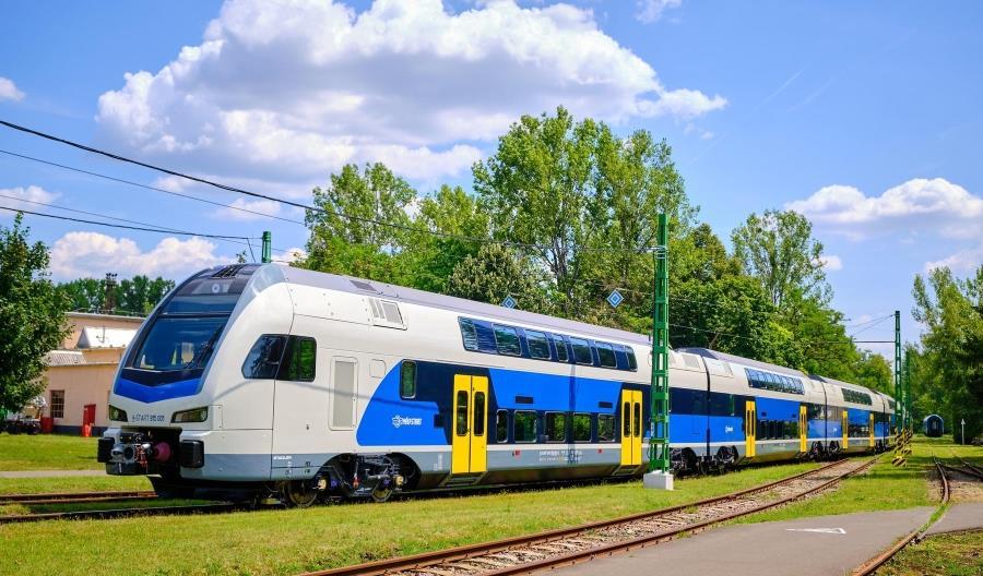 Koleje Węgierskie zrealizują opcję na zamówienie kolejnych Kissów od Stadlera