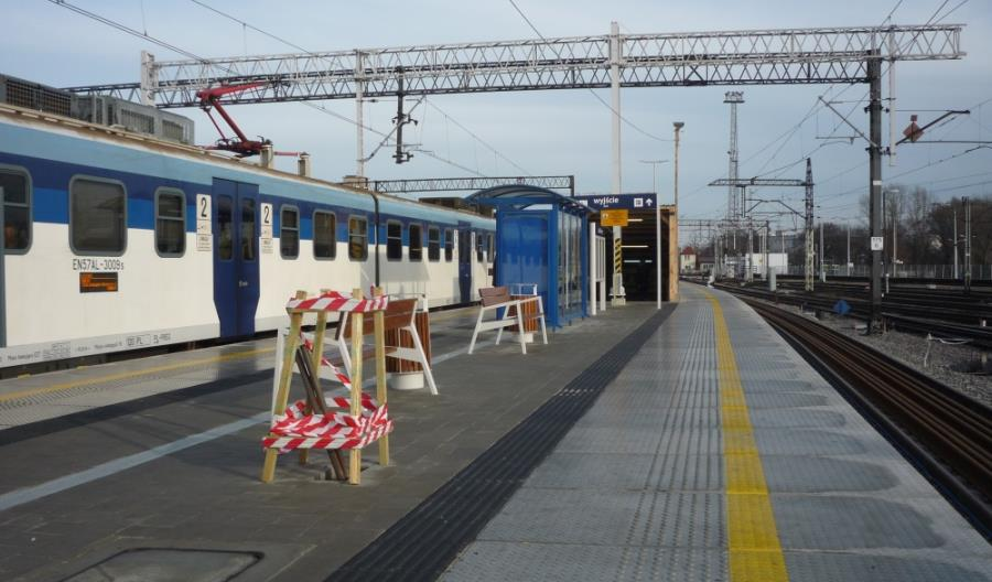 Modernizacja linii nr 7: Stacja Lublin z wiatami, bez wiaduktu w Miłocinie