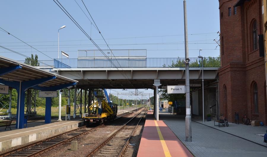 PLK poprawi warunki korzystania z 15 stacji i przystanków w trzech województwach