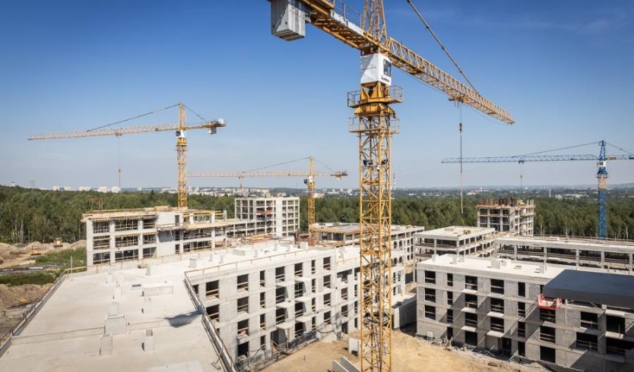 Mamiński: Rośnie zaangażowanie PKP w program Mieszkanie Plus