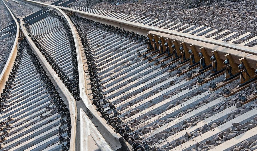 Alert bezpieczeństwa dla zwrotnic Alstom SpA. W Polsce też pracują podobne