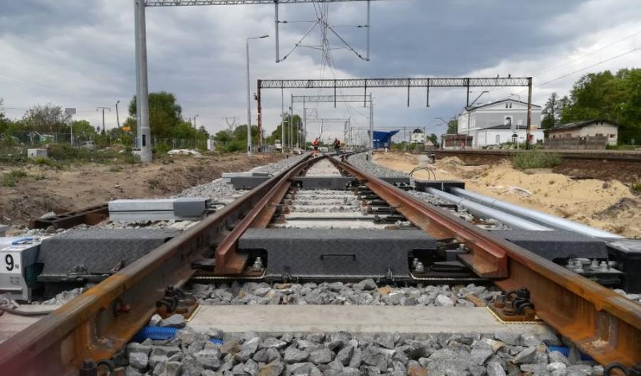 Jak postępuje modernizacja linii Poznań – Wrocław między Rawiczem a Czempiniem?