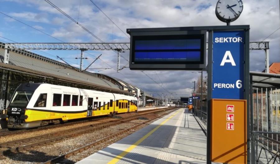 Od jutra dodatkowy, szósty peron na stacji Wrocław Główny