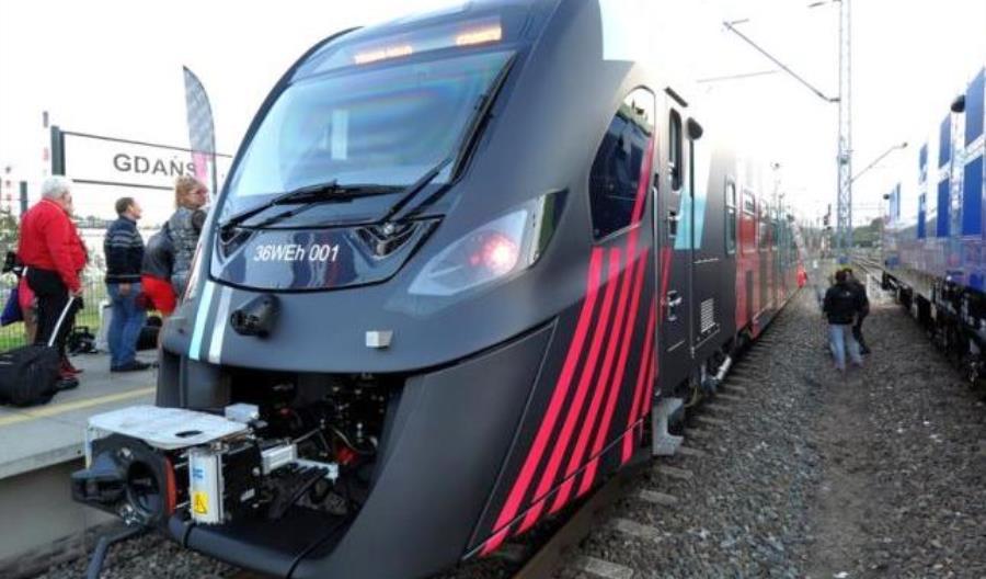 Newag i Pesa w przetargu na nowe pociągi dla Kolei Dolnośląskich. Jest oferta na hybrydy