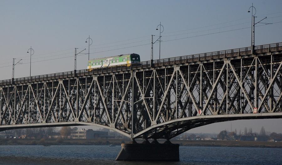 Idom ma przygotować dokumentację dla modernizacji linii 33